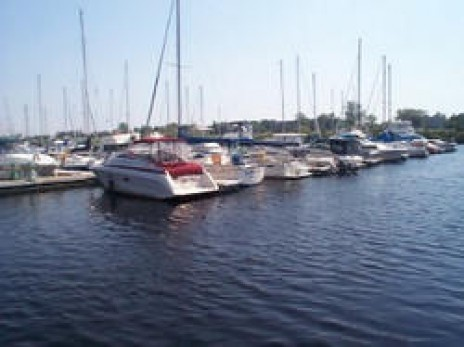 BARKERS ISLAND MARINA - ONE OF MANY IN THE AREA